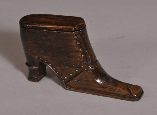 S/3638 Antique Treen 19th Century Oak Snuff Boot