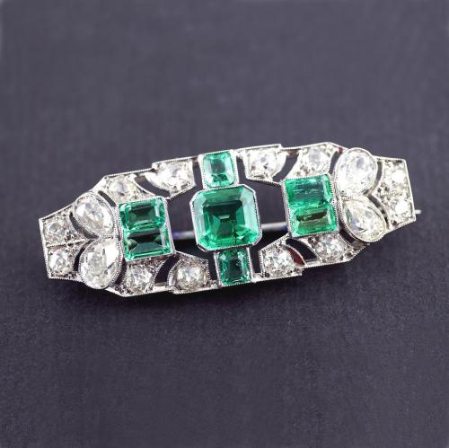 Art Deco Emerald Diamond Platinum Brooch circa 1930