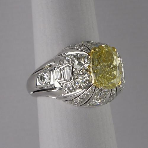 18ct Fancy Yellow Diamond Vintage Bombe Ring c1960