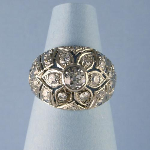 18ct Diamond Vintage Bombe Ring c1950