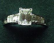 Art Deco 18ct White Gold & Diamond Ring