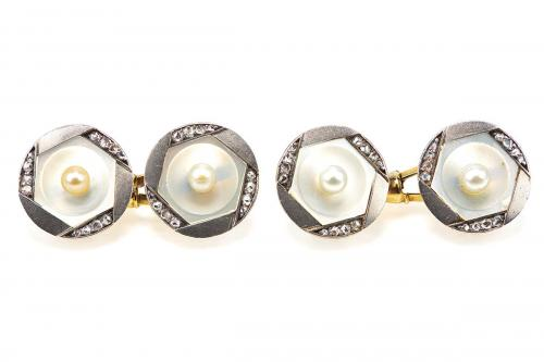 Antique Cufflinks in 14 Karat Gold with Natural Pearl, Diamonds and Mother of Pearl, Austrian circa 1900