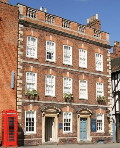 Our Queen Anne town house in the heart of the Cathedral quarter of Lincoln